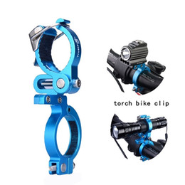 Canada TrustFire HE02 Sports de plein air vélo vélo lampe de poche support de vélo support de torche support pince lanterne vélo noir vélo Accessori supplier flashlight clamp mount Offre