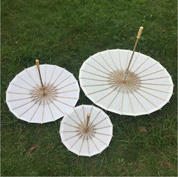 Wholesale Painting Stainless - 84cm Just Married Painted Paper Parasol for Wedding Photographs Wedding Decor Paper Umbrella c134
