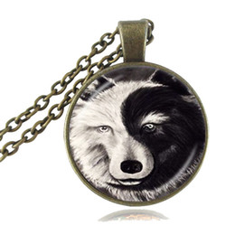Wholesale Yin Yang Pendant Wholesalers - Vintage Yin Yang Necklace Glass Time Gem of Wolf Pendant Black White Animal Jewelry Tai Chi Symbol Sweater Necklace