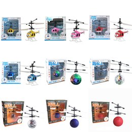 Wholesale Scale 16 - 9 Colors Air RC Flying Ball Drone Helicopter Ball Built-in Shinning LED Lighting for Kids Teenagers Colorful Flyings
