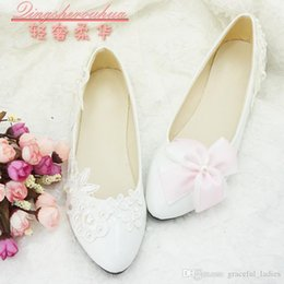 Wholesale Lace Wedding Shoe Bow - Different Style Asymmetry Wedding Shoes Pink Bow Left Feet Lace Appliues Right Feet Cheap Crystal Bridal Shoes Bridesmaid Shoe Size 5-Size 9