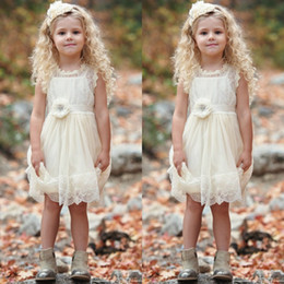 Wholesale Simple Flower Dresses Kids - 2017 Cute Knee Length Lace Flower Girls Dresses For Weddings Simple A Line First Communion Dresses Kids Formal Wear Custom Made