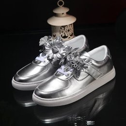 Wholesale Closed Toe Slingbacks - New Style 3D Flower Casual Flat Shoes Woman Lace Up Slingback Lazy Shoes Fashion Carved Sunflower Women Shoes