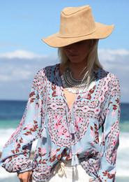 Lanternas de pescoço on-line-Boho blusas outono roxo estampa floral blusas Vinatge Com Decote Em V lanterna de manga Longa tassel boêmio praia férias mulheres blusas tops novo