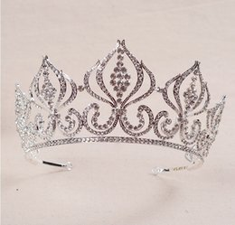 Wholesale Prom King Crowns - King Pcincess Crowns Shiny Crystals Real Sample Bridal Wedding Tiara Girls Evening Prom Party Dresses Accessories supplier