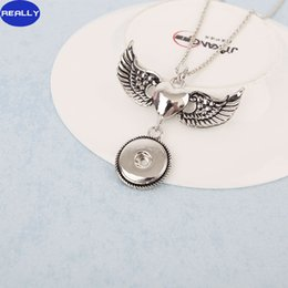 Wholesale White Gold Wing Pendants - REALLY White Gold Electroplated Noosa Heart Angel Wings With 18MM Snap Button Necklace DIY Jewelry Free Shipping