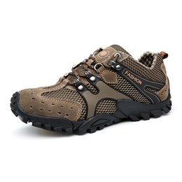 Wholesale Mountaineering Wear - The New Style of Men Outdoor Mountaineering Walking Shoes Sports Shoes Cortable Travel Anti-skid Wear-resistant Shock Absorption