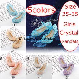 INS Estate Nuovi capretti Scarpe Ragazze Scarpe da principessa Blu Sandali di cristallo Ragazze Scarpe Cosplay Blu PVC Hole Sandalo con fiocco Sandalo per bambini Scarpa 5 colori da