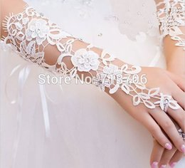 Wholesale Wholesale Evening Gloves - Wholesale-2016 Simple Ivory Bride Wedding Gloves Evening Fingerless Luva De Noiva Luva Lace Bridal Gloves Para Noiva Wedding Accessories