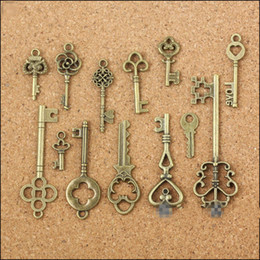 Wholesale Collectibles Antiques - Wholesale- 13 Assorted Antique Vintage Old Look Bronze Pendants Vintage Key Collectibles Good Gift