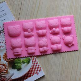 Stampi di gomma di gomma online-Stampi in silicone Hello Kitty Fondant Cake Decorations Bear Cat Stampo per torta Attrezzi artigianali Stampo in gomma per cioccolato 10 fori per foglio