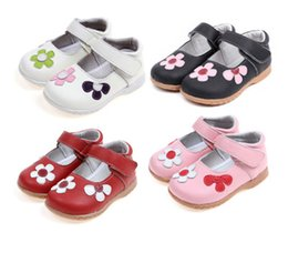 Wholesale Little Girls Red Shoes - 2016 New Toddler Little Kid Casual Shoes for Girls Genuine Leather Flower Design Breathable Hook&loop Anti-slip Anti-friction 1-6 Years Old