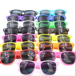 Wholesale Good Sunglasses - Good Quality Fashion Candy Colors Sunglasses for Womens and Mens Eyewear Beach Sport Party SunGlass Multi-color Sunglass Free Shipping