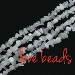 pietre di ghiaia all'ingrosso Sconti White Cats Eye Gravel Stone Branelli allentati 5mm-8mm Beads Irregular Chip Strand 80 cm Per donna all'ingrosso (F00279) all'ingrosso