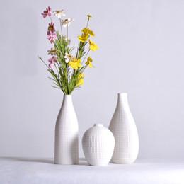 Moderno Simple Florero de cerámica de alta calidad Puro blanco Sala de estar Mesa de comedor Artes decorativas Florero seco 3N002 desde fabricantes