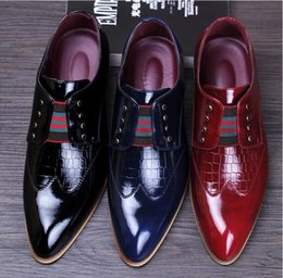 Wholesale Red Satin Flat Wedding Shoes - men luxury casual wedding nightclub dress patent genuine leather shoes pointed toe brogue flats shoe slip on loafers oxford male NXX371