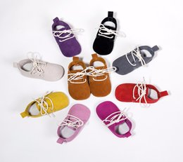 Wholesale Oxford Lace Up Shoes Girl - Wholesale- New style Genuine Leather Classic Newborn Baby Boy Girls Prewalkers Sneakers Crib Babe Children Soft lace-up baby oxford shoes