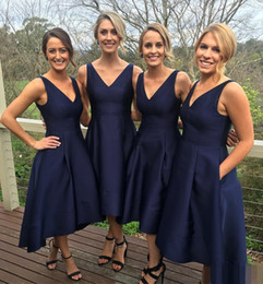 Wholesale Dress Tea Length Pockets - Navy Blue Satin Bridesmaid Dresses for Wedding Party Girls High Low V-neck Summer Beach Garden Simple Cheap with Pockets Vestido Madrinha