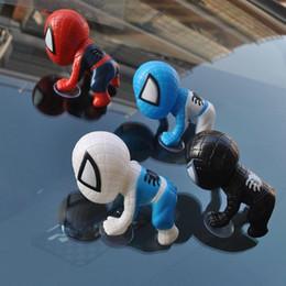 2019 autocollants de poupée Mignon 3D Escalade Spiderman Poupée Auto Ornement Accessoires De Voiture Autocollants Intérieur avec Suckers Pour Voiture Tête Arrière Windows autocollants de poupée pas cher