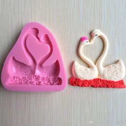 2019 cisne de fondant Duas Peças Bonito Forma de Cisne 3D Fondant Molde De Silicone Vela De Chocolate Sope Moldes Sugar Craft Ferramentas Bakeware desconto cisne de fondant