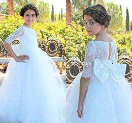Wholesale Big Flower Pictures - Princess Lace Flower Girls Dresses For Weddings 2018 Half Sleeve Big Bow Ball Gown Long First Communion Dress Child Formal Wear Gowns Cheap