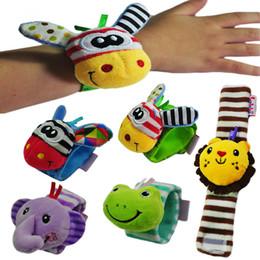 celos de plástico berço Desconto 0-1 anos de idade do bebê brinquedos educativos crianças infantis assistir banda pulseira de pulso de pelúcia boneca de brinquedo chocalhos