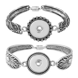Wholesale Feather Wristband - Ancient Silver Feathers Flower Bracelet 20cm DIY Charms Couple Bracelets Jewelry Wristband Fit 18mm Snap Noosa Button N349L