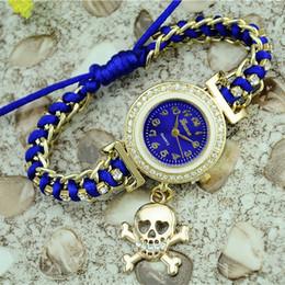 Reloj de diamantes de imitación barato online-Reloj de pulsera para mujer Geneva Rhinestone Watches cheap Trenzado Reloj de pulsera Vestido de mujer reloj de pulsera para mujer Accesorios Regalos Nuevo