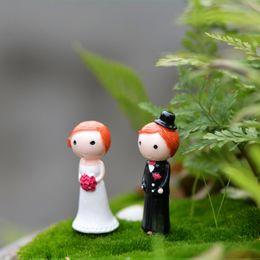 miniature garden tools crafts NZ - 4pcs Wedding Decor Brides Groom Figures Resin Crafts Fairy Garden Miniatures Bonsai Tools terrarium Figurines Micro Landscape Home Accessory