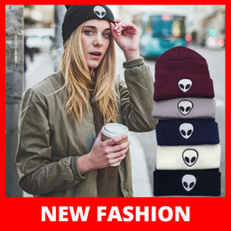 Wholesale Classic Headgear - Winter Fashion Beanie Classic Tight Knitted Hat Hip Hop Sports Women Men Cap Winter Headgear Headdress Head Warmer Top Quality Y421