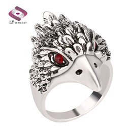 Wholesale Vintage Eagle - Hot Punk Animal Ring New Fashion Eagle Head Plating Silver Vintage Jewelry Inlay Black Crystal Rings For Man Wholesale Jewelry