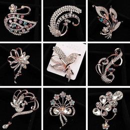 Wholesale Artificial Diamond Flowers - Extravagance fashionable artificial pearl diamond love pen brooch female simple wild chest flower pin clothing Accessories Gift