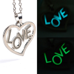Wholesale Acrylic Glow Dark - Heart shaped love Glow in the Dark Statement Necklace Sterling Silver Glowing Luminous Necklace with heart pendants china whosale