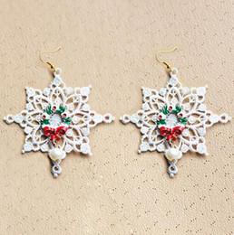 Porcellana bianca di albero di natale online-Nuovo Natale XMAS Tree White Snowflake Designer Earings Dangle Chandelier a buon mercato Cina Jewellry Bling per le donne Ragazze Fashion Charm