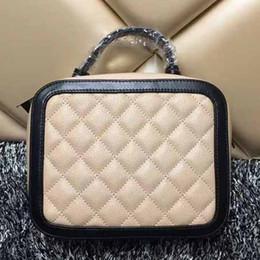 Forma de diamante de las mujeres online-Enrejado de diamante bolsa acolchada bolsa de hombro en forma de bolsos mujeres cadena bolsos de hombro famosa marca de cuero genuino bolsos crossbody pequeño monedero