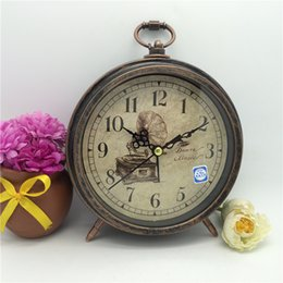 Wholesale metal craft art - Bedroom Bedside Alarm Clock Vintage Metal Round Table Clock Home Room Decoration Arts And Crafts Gift 12js C R