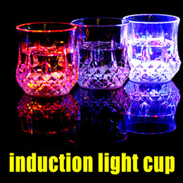 Wholesale Led Barware Wholesale - LED light glasses Induction light cup transparent Big Beer Liquid colorful luminous Drink Mug Barware Party Wedding Clubs Christmas Hallowee