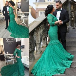Wholesale Mermaid Corset Prom Dress - 2016 Winter Green Mermaid Prom Dresses V Neck 3 4 Long Sleeves Appliques Lace Tulle Corset Arbaic Plus Size Evening Gowns Formal Dresses