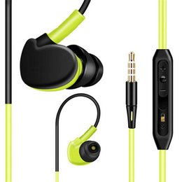 Wholesale Sports Cell Phones - Sports Super Bass In Ear Earphone Waterproof Headphones Running Sweatproof Stereo Bass Music Headset With Mic For All Mobile Phone Headphone