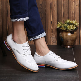 Wholesale Simple Lace Wedding Flats - Simple Brief Italian Fashion Quality Leather Slim Pointed Toe Oxfords Mens Business Party Dress Shoes Elegant British Style Sewing Lace Up