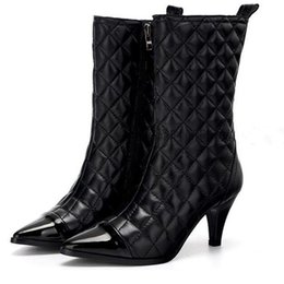 2020 marcas famosas de botas de couro 2016 Inverno nova chegada simples elegância luxuoso famosa marca sexy anti-skid boate quente apontou botas de couro das mulheres marcas famosas de botas de couro barato
