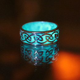 Wholesale Stone Stud Set - Noctilucent stud rings New rings water droplets diamondLuminous ring of carve patterns or designs on woodwork Hollow out drop rings