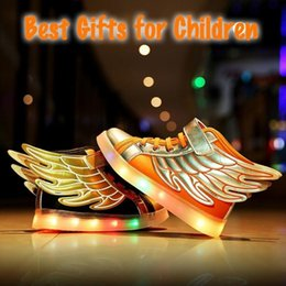 Enfants chaussures enfants ailés en Ligne-Hot Sale New Boy Girls Favoriate USB LED Light Up Sneakers Enfants Enfants Unisex Cool Wings Forme Non Slip Sneaker Shoes