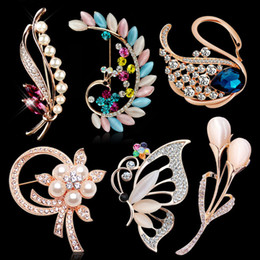 Wholesale Rhinestone Brooches For Dresses - price cheap luxury rhinestone brooch pins boutonniere stick with crystal flowers birds clip pins for women dresses sweaters 46styles option