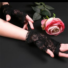 Wholesale Gloves Sexy Bridal - Black Elegant Fingerless Short Flowers lace Gloves, The Bridal Wedding Evening party hand wear special occasion sexy Gloves cheap in stock