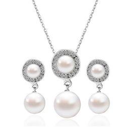Venta al por mayor de perlas de boda colgante, collar y cuelga los pendientes de moda Rhinestone conjunto de joyas de boda por la noche Prom accesorios formales desde fabricantes