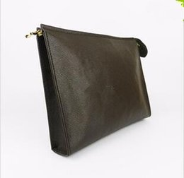 Wholesale genuine leather clutch bags - New Travel Toiletry Pouch 26 cm Protection Makeup Clutch Women Genuine Leather Waterproof 19 cm Cosmetic Bags For Women + Dust Bag