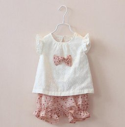 Wholesale Wholesale Pretty Girls Outfits - DHL Baby Girls pretty Pure cotton T-Shirt + short pants 2pcs Fly sleeve Suits 2016 new children kids Hollow out lace bow fashion Outfits