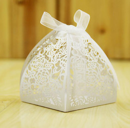 Wholesale Laser Cut Gift Box Design - Lace Flower Design Laser Cutting Wedding Candy Box Wedding Gifts For Guests Wedding Favors And Gifts Party Decorations