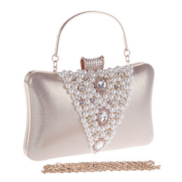 Wholesale designer evening clutches - Vintage Evening Clutch Purse Diamond Pearl Bags With Chain Fashion Designer Gold Silver Evening Bag For Wedding Dress